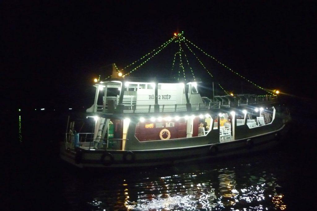 I Love Nha Trang - Night Squid Fishing Tour Nha Trang